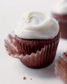 martha-stewart-red-velvet-cupcake